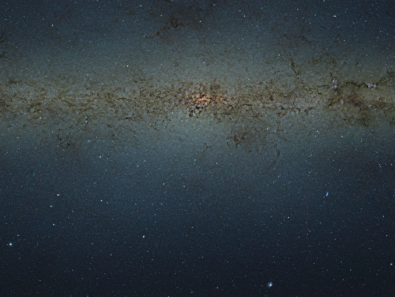 VISTA telescope: 9 billion pixel photo of a Milky Way
